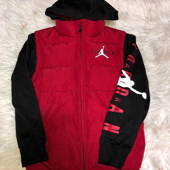 Nike Air Jordan Sleeved Puffer Vest